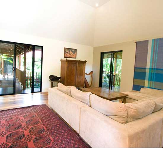 Stay In A Tropical Holiday Villa In Byron Bay