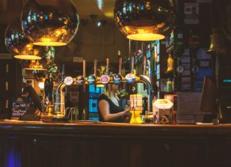 5 Backpacker Pubs in Alice Springs