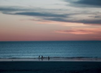 Perth to Broome Tours for Backpackers