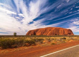 Backpacker Tours to Uluru