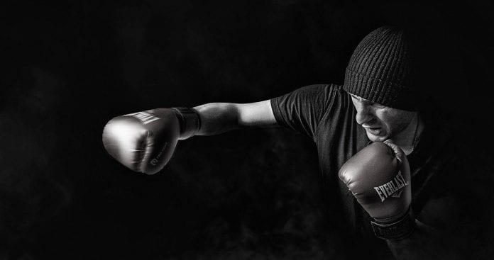 Advantages of Wearing Boxing Gears