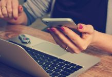 Ways to Find an Online Job While Traveling
